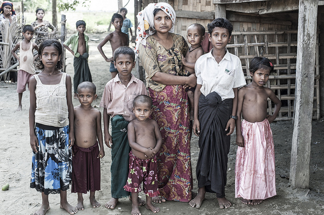 RohingyaFamily